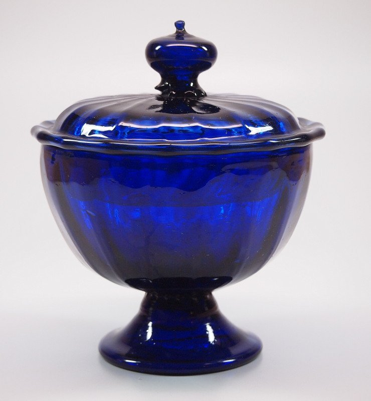 Pattern-molded covered sugar bowl