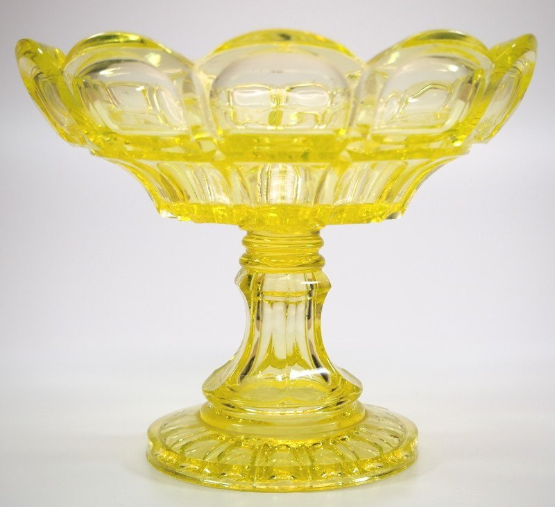 Pattern-molded compote