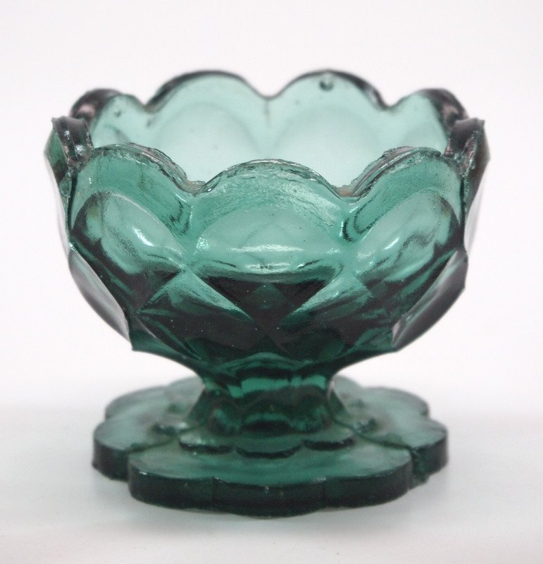 Pressed & lacy glass salt dishes, two - 2