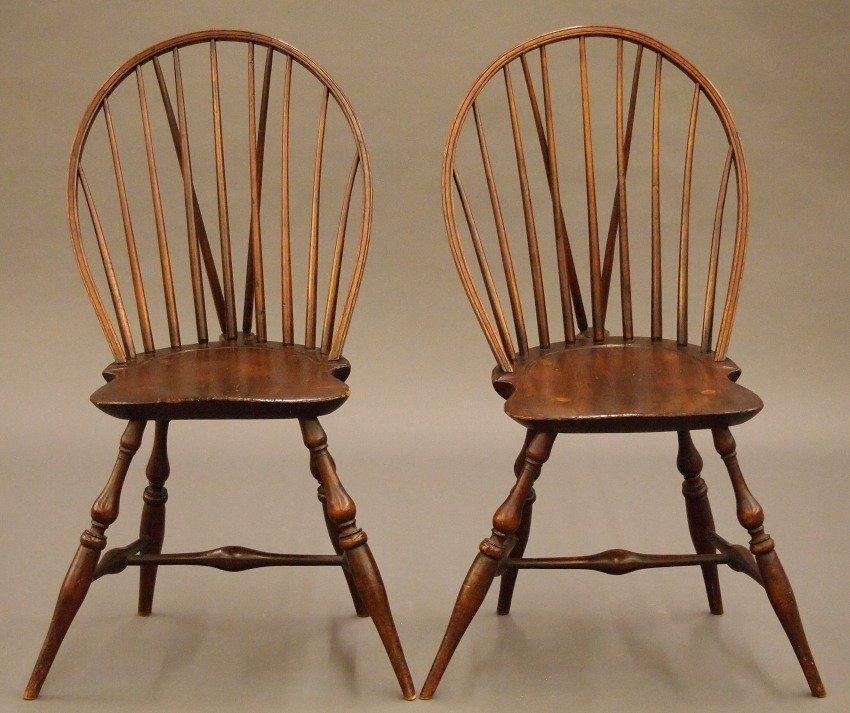 Pr of New England bow back Windsor sidechairs - 2