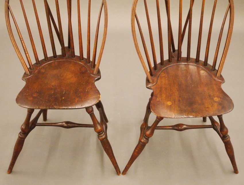 Pr of New England bow back Windsor sidechairs - 3