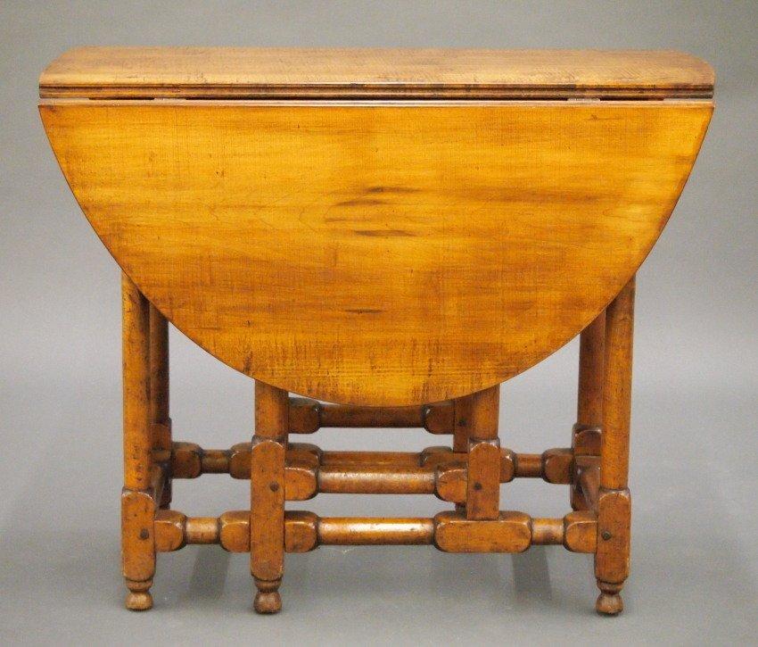 New England gate leg table - 3