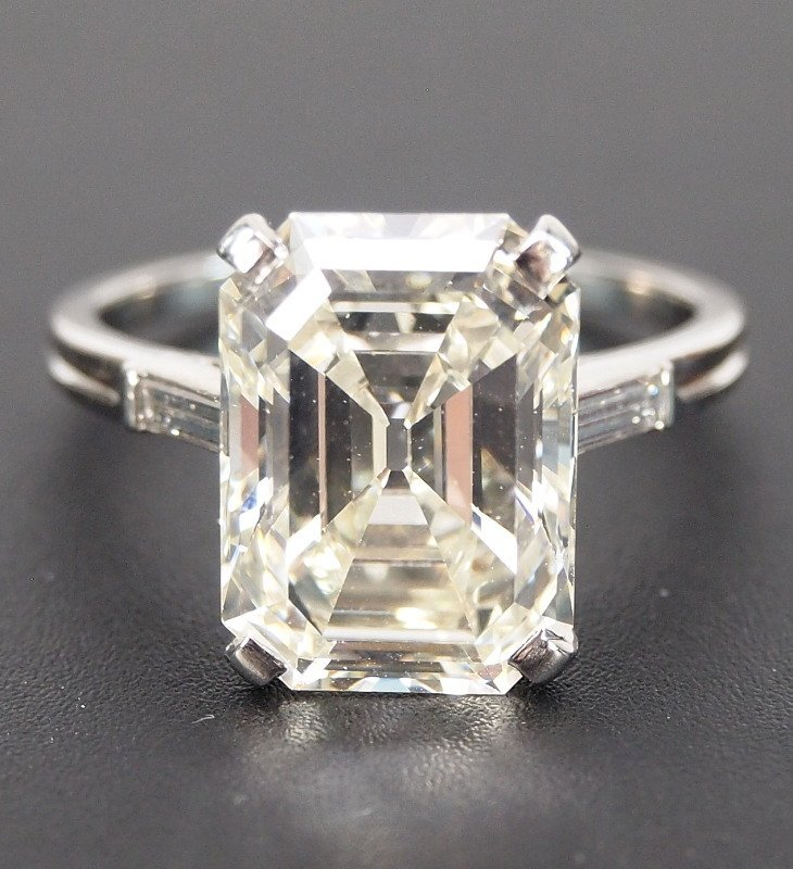 6.72ct Emerald Cut diamond ring - 2