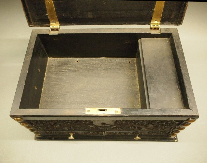19th c Indian Ebony casket - 3