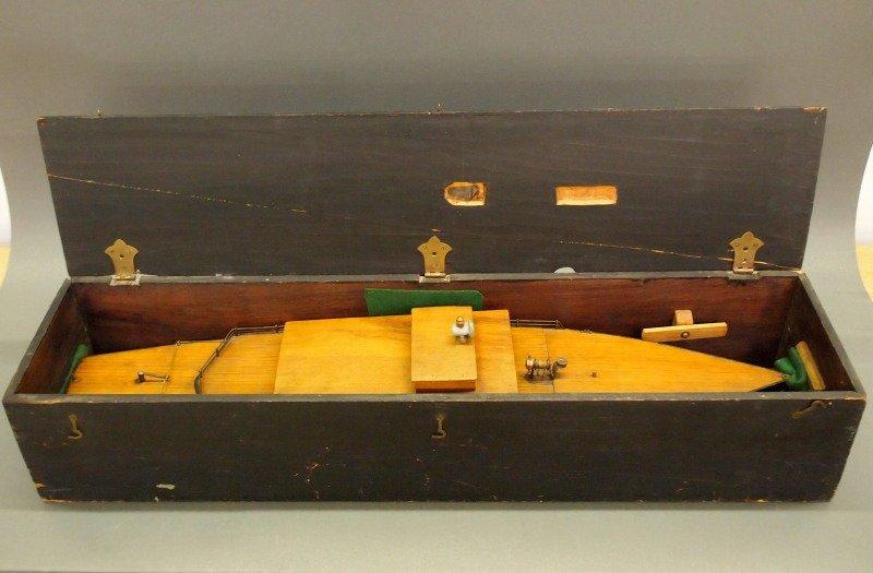 Clockwork pond boat - 4
