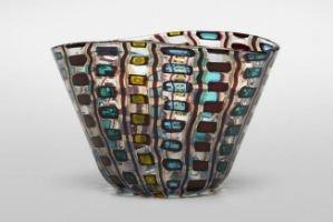 Designing postwar Italian glass