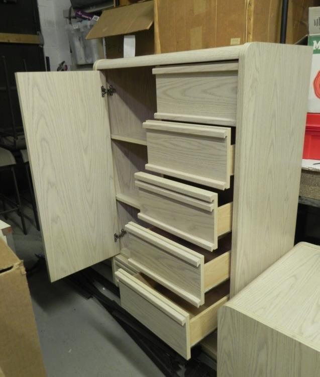 5 Pc Palliser Bedroom Set W 2 Dressers Nightstands Lot 640172
