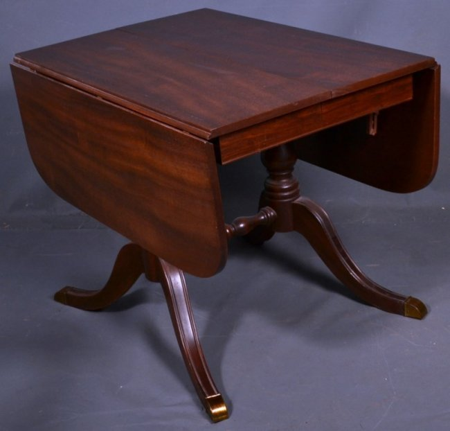 Drexel Mahogany Federal Style Drop Leaf Dining Table Wi  : 176743951l from liveauctioneers.com size 650 x 622 jpeg 40kB