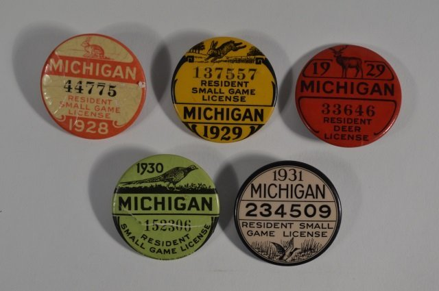 5 michigan hunting license buttons lot 392 for Michigan fishing license prices
