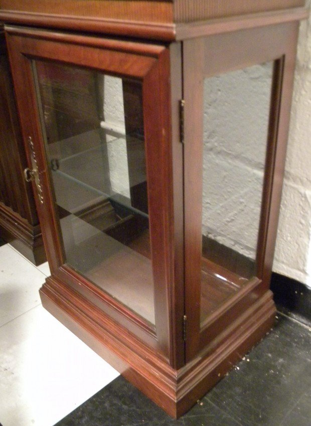Dark Stained Curio Cabinet W Glass Doors Lighted Lot 25148