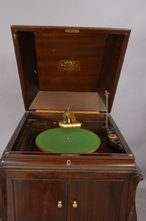 Victrola By The Victor Talking Machine Co Lot 296
