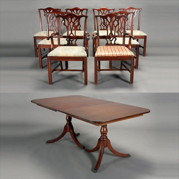 681 Duncan Phyfe Style Dining Table And Eight Chairs Lot 681