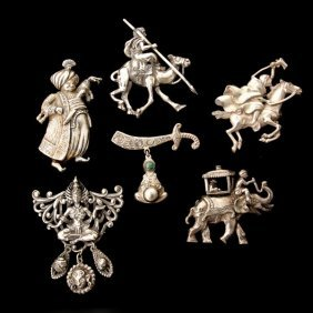 153 6 Quot Thief Of Bagdad Quot White Metal Brooches Lot 153
