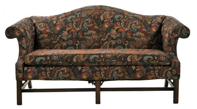 310 A Chippendale Style Camel Back Sofa by Ethan Allen  : 121122941l from www.liveauctioneers.com size 640 x 354 jpeg 43kB