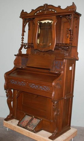 184 Beckwith Chicago Victorian Pump Organ Lot 184