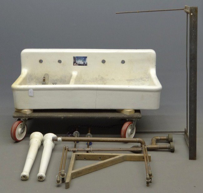 Edwardian Kitchen Sink: 330: Victorian Kitchen Sink : Lot 330