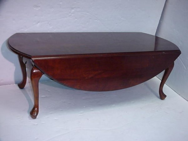 694 Hammary Mahogany Queen Anne Drop Leaf Coffee Table Lot 694