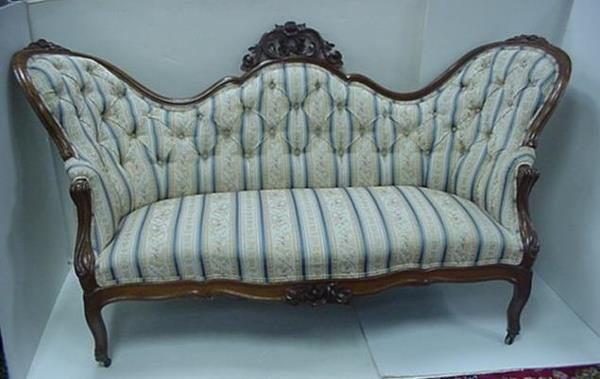 86 Victorian Button Tufted Sofa With Carved Frame Lot 86