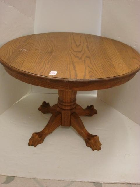 298 Round Claw Foot Coffee Table Lot 298