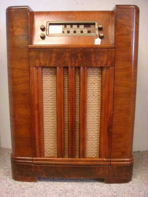 Wlw radio tv in addition Zenith12A58 also 9945226 moreover Grundig   14 likewise Radiola 1519 Vb. on old zenith radios