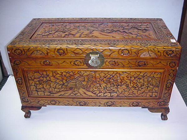 21 Peacock Carved Claw Foot Blanket Chest O Lot 21