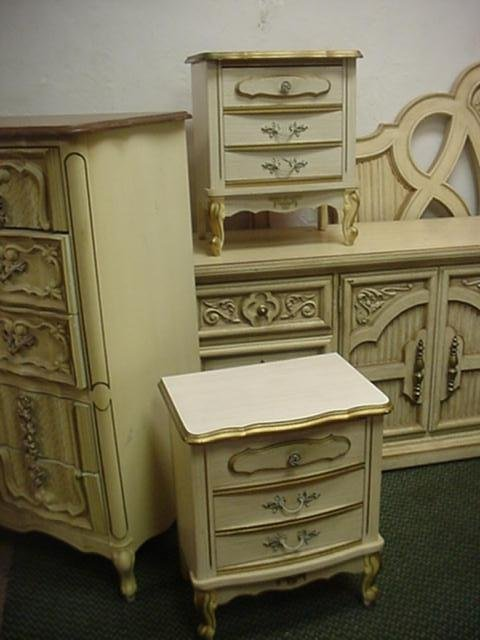 1661 6 piece french provincial bedroom set lot 1661