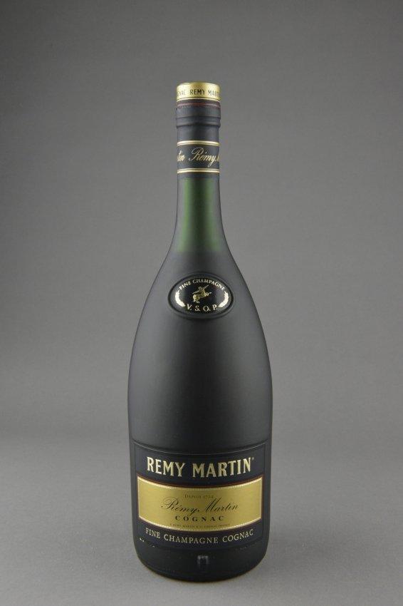 477 remy martin vsop fine champagne cognac lot 477. Black Bedroom Furniture Sets. Home Design Ideas