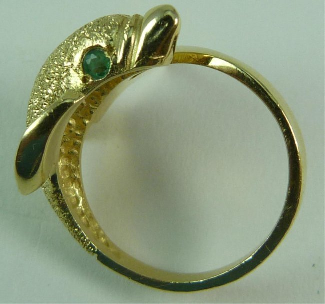 14kt yellow gold dolphin ring with emerald lot 80