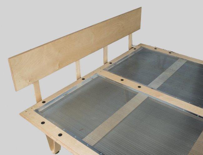 eames case study v leg bed by modernica lot 293. Black Bedroom Furniture Sets. Home Design Ideas