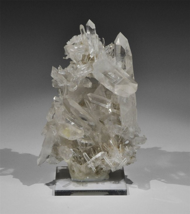 Large Cluster of Quartz CrystalsQuartz Crystals Cluster