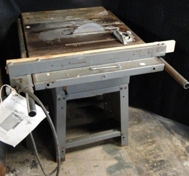 115 12 Rockwell Contractors Table Saw With Blade And Lot 115