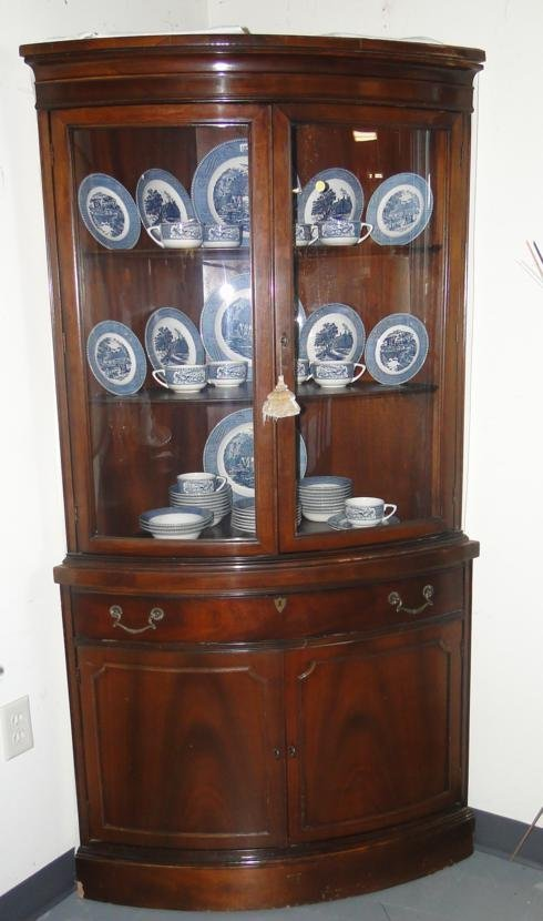 Mahogany curved glass corner china buffet est value for Corner lots more valuable