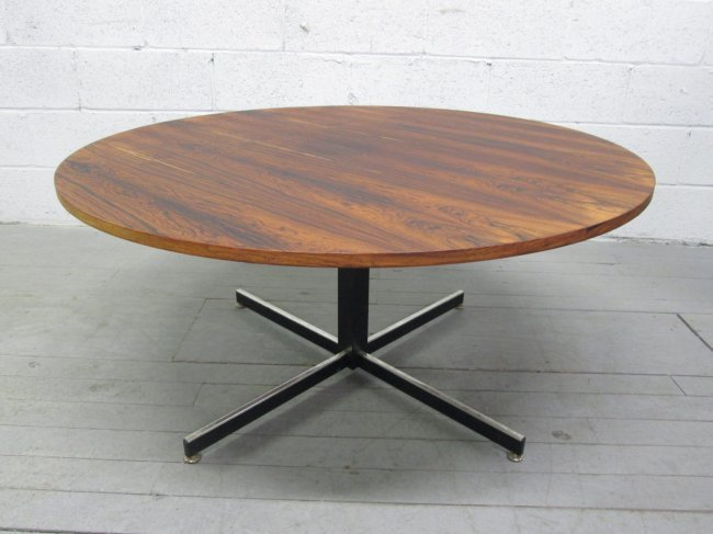 352 Rosewood Adjustable Dining Coffee Table Lot 352
