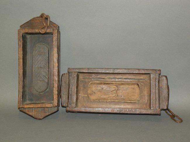 517 2 wooden brick molds lot 517