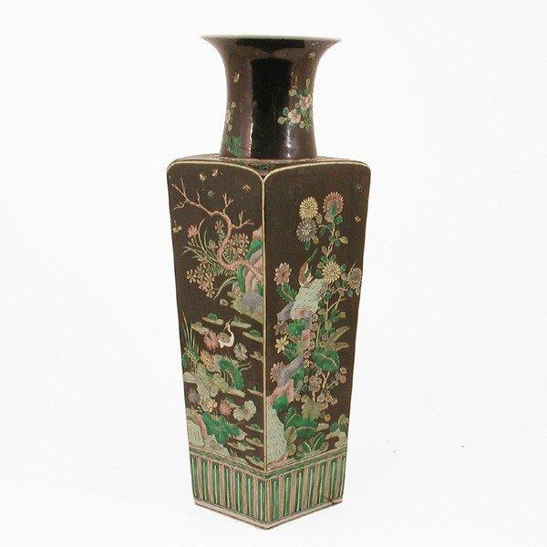 359 chinese qing famille noir vase lot 359. Black Bedroom Furniture Sets. Home Design Ideas
