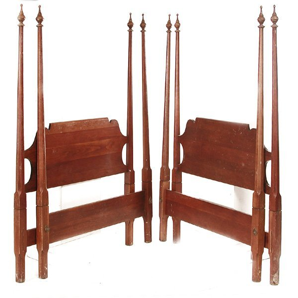 pair of mahogany twin 4 poster beds lot 92. Black Bedroom Furniture Sets. Home Design Ideas