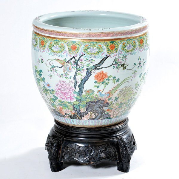 Large chinese famille rose fish bowl with wood stand lot 395 for Large fish bowl