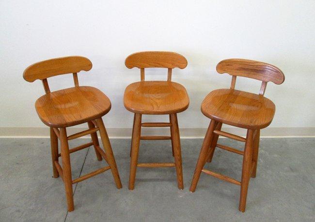 3 Virginia House Furniture Bar Stools Lot 291