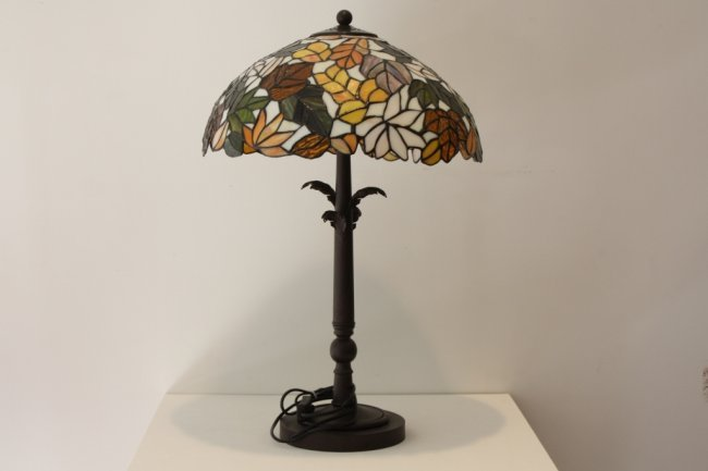 Lampe poser moderne dans le go t de tiffany lot 103 - Lampe moderne een poser ...