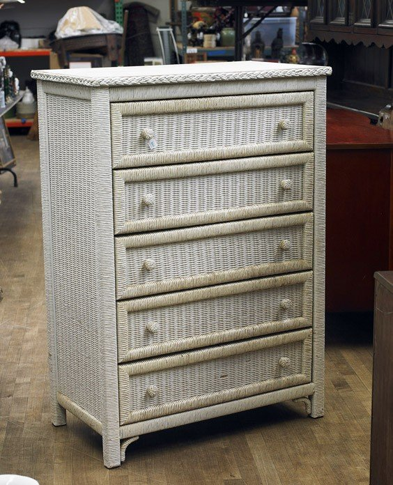 474 old american wicker chest of drawers lot 474. Black Bedroom Furniture Sets. Home Design Ideas