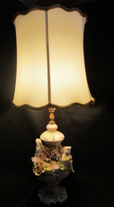 13 CAPODIMONTE STYLE CHERUB LAMPITALY Lot 13