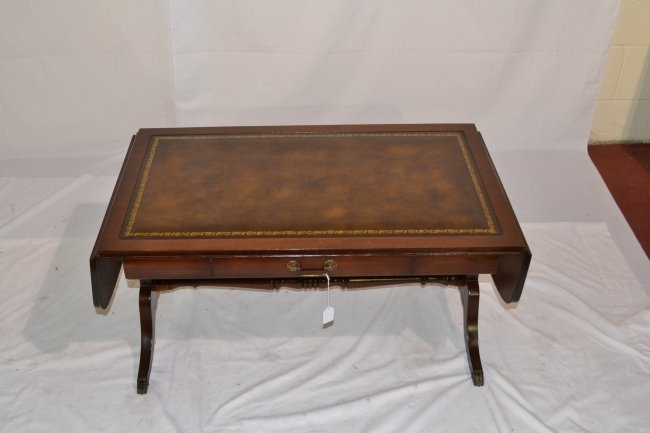 471 drop leaf mahogany leather top coffee table lot 471