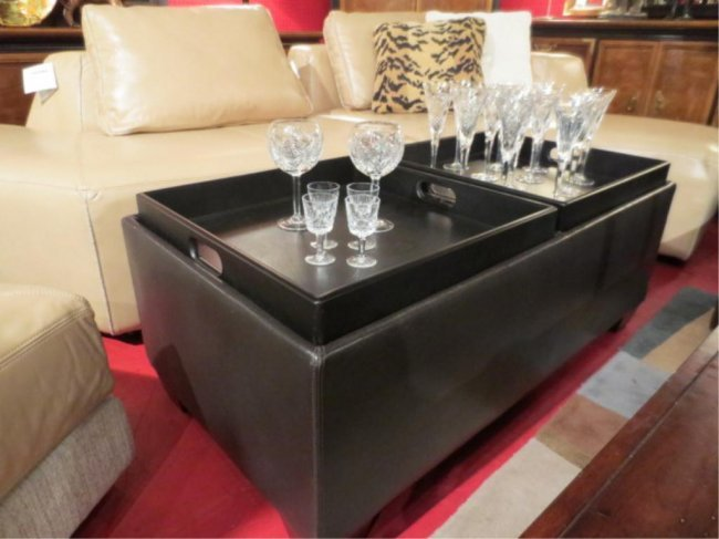 152 Leather Coffee Table And Ottoman Reversible Tray Lot 152