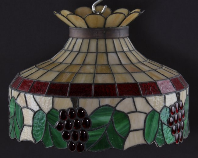 grape motif stained glass hanging lamp shade lot 327. Black Bedroom Furniture Sets. Home Design Ideas
