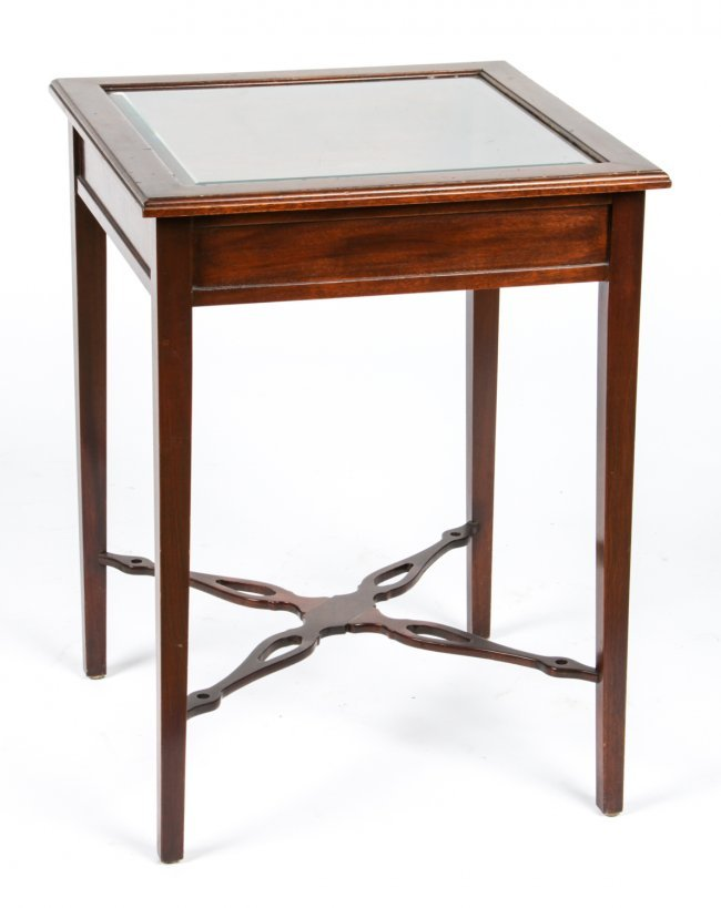 Vitrine table lot 446 for Table vitrine