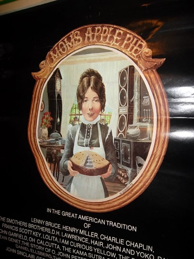 "207: VINTAGE MOM'S APPLE PIE 1972 POSTER Large 26"" x 27 : Lot 207"