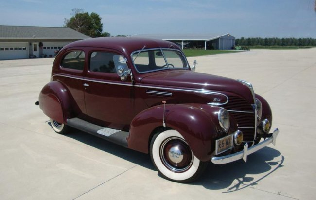43 1939 ford v 8 deluxe two door sedan lot 43 for 1939 ford deluxe 4 door sedan