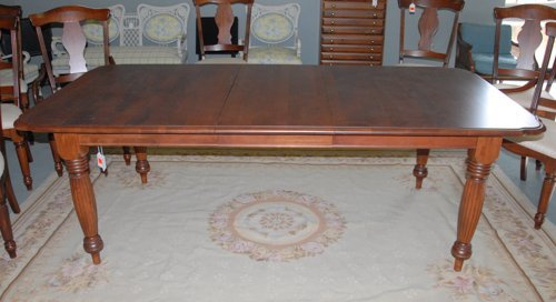 166A A Nichols and Stone Dining Table Lot 166A : 147496961l from liveauctioneers.com size 500 x 272 jpeg 29kB