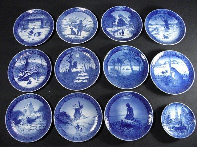 399 twelve royal copenhagen porcelain christmas plates. Black Bedroom Furniture Sets. Home Design Ideas