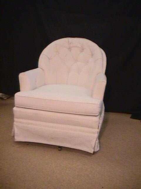 174 Woodmark Originals Upholstered Swivel Chair Lot 174